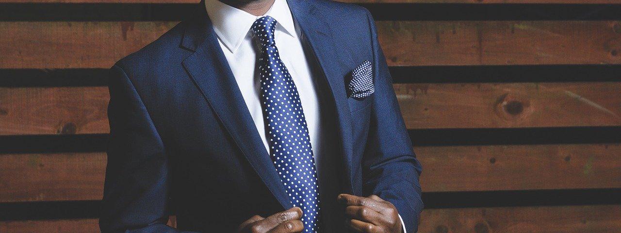 Mann im Anzug stilsicher schick